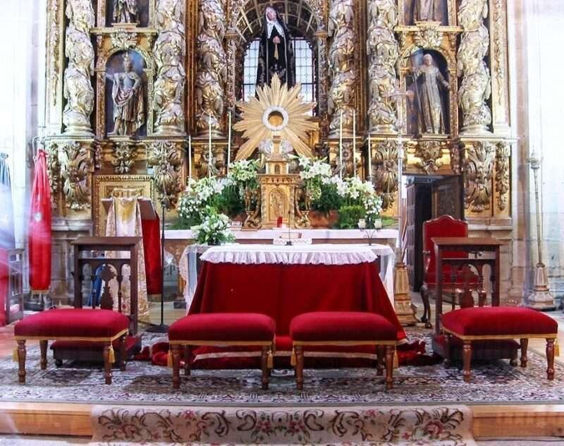 flores para altar sencillez