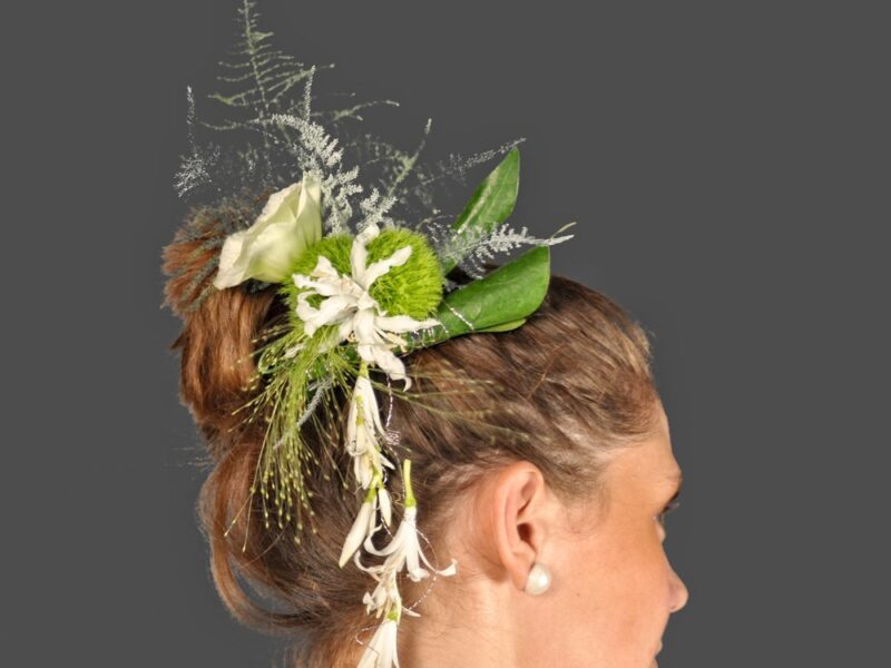 Flores para el pelo de la novia 2