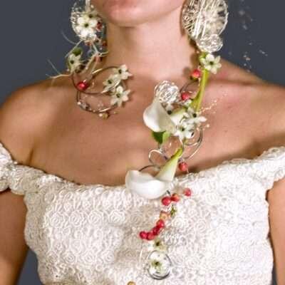 Flores para el pelo de la novia 3