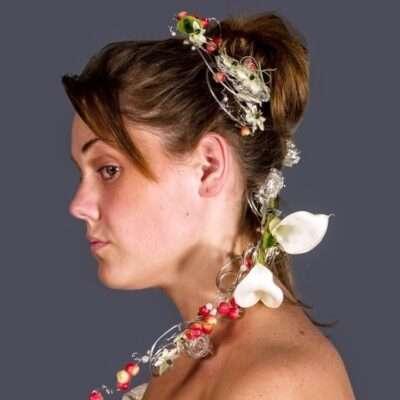 Flores para el pelo de la novia 4