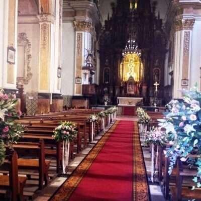Flores para iglesia 56