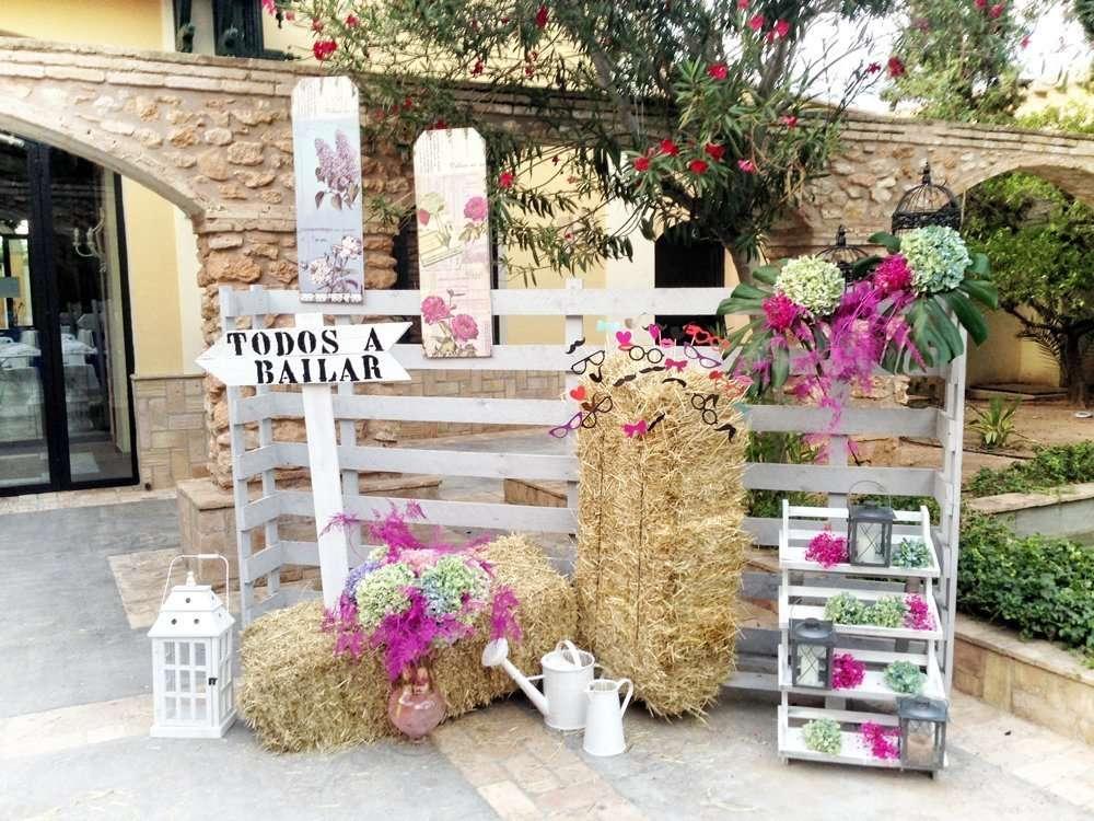 Photocall para bodas r sticas flores fela bodas y eventos for Decoracion de photocall