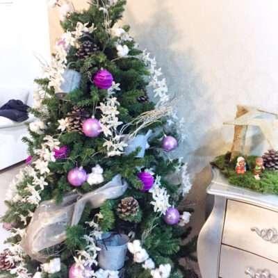Árbol de Navidad y belén