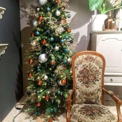 Árbol de Navidad bolas de varios tamaños